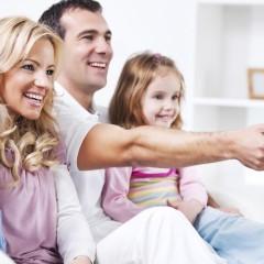 family-watching-tv2